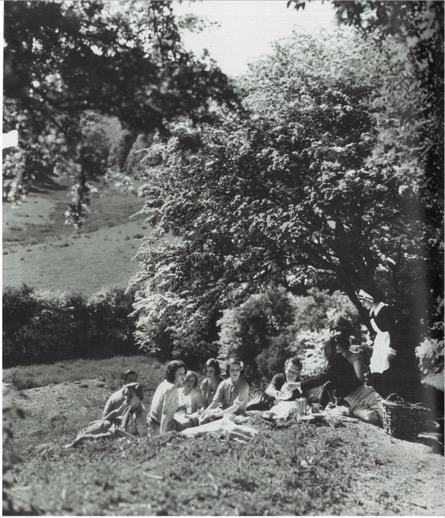 Picnic at Ashcombe. 1935. Gelatin silver print. The Cecil Beaton Studio Archive.